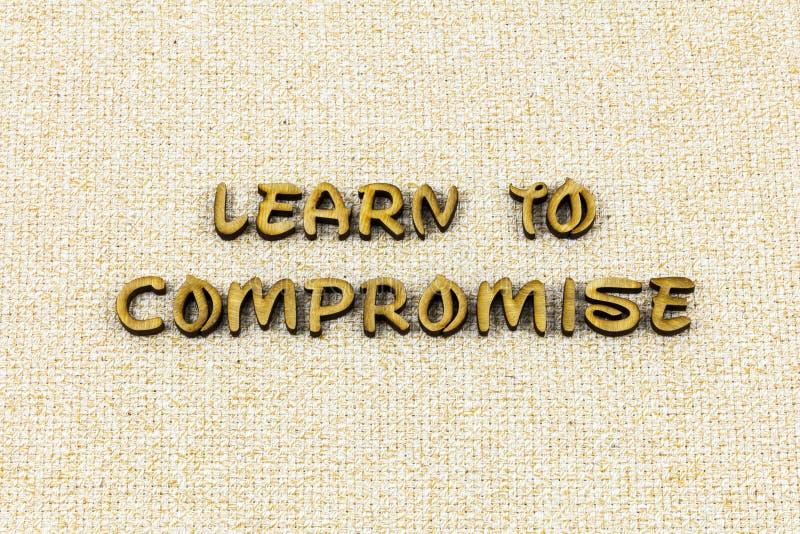 Μάθετε letterpress εργασίας βοήθειας μολύβδου ηγεσίας συμβιβασμού τον τύπο στοκ φωτογραφίες