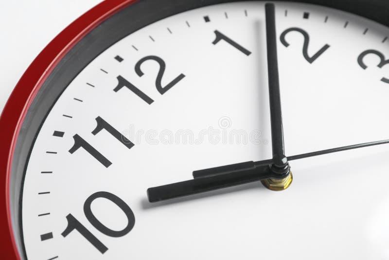 Μεγάλο όμορφο ρολόι ως υπόβαθρο στοκ εικόνες