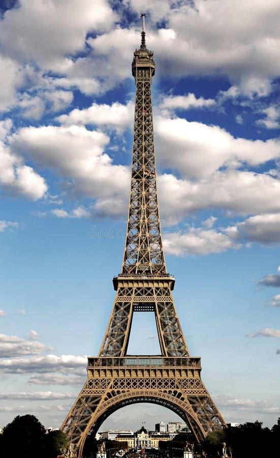 μεγαλοπρεπές σύμβολο πύργων του Άιφελ της πόλης του Παρισιού με την επίδραση HDR στοκ φωτογραφίες με δικαίωμα ελεύθερης χρήσης