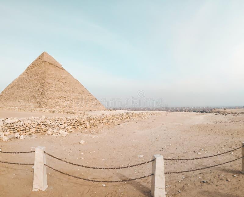 Μια άποψη της μεγάλης πυραμίδας σε Giza, Αίγυπτος στοκ φωτογραφίες