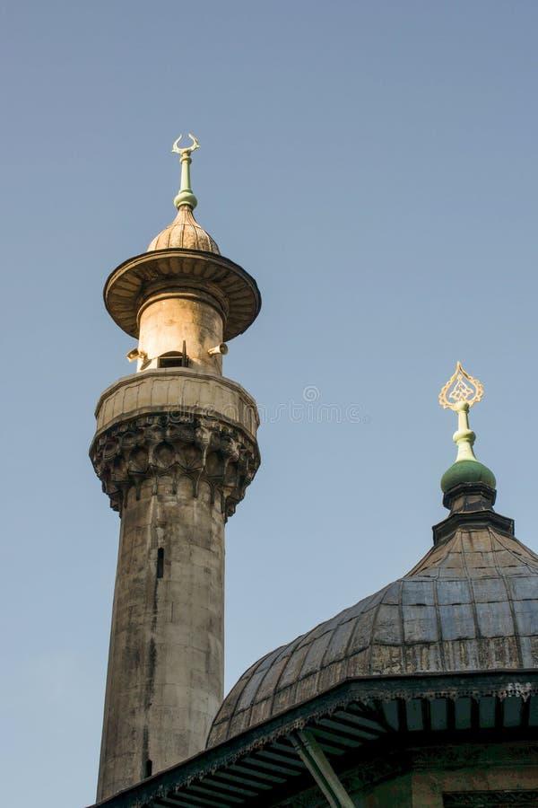 Μιναρές των οθωμανικών μουσουλμανικών τεμενών κατά την άποψη στοκ φωτογραφία με δικαίωμα ελεύθερης χρήσης
