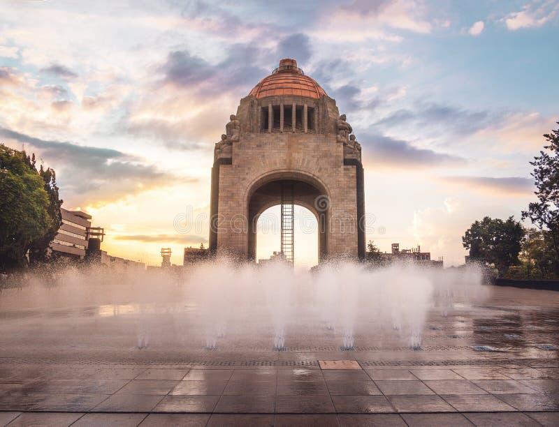 Μνημείο στη μεξικάνικη επανάσταση - Πόλη του Μεξικού, Μεξικό στοκ εικόνες