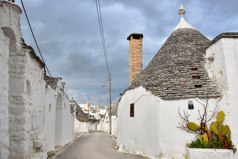 Μοναδικά σπίτια Trulli Alberobello στοκ εικόνες