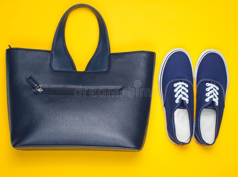 Μοντέρνο women& x27  παπούτσια και εξαρτήματα του s στοκ φωτογραφία με δικαίωμα ελεύθερης χρήσης