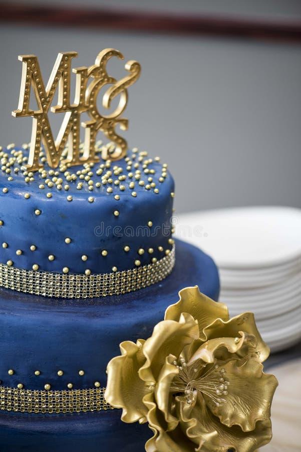 Μπλε και χρυσό κέικ στοκ φωτογραφία με δικαίωμα ελεύθερης χρήσης