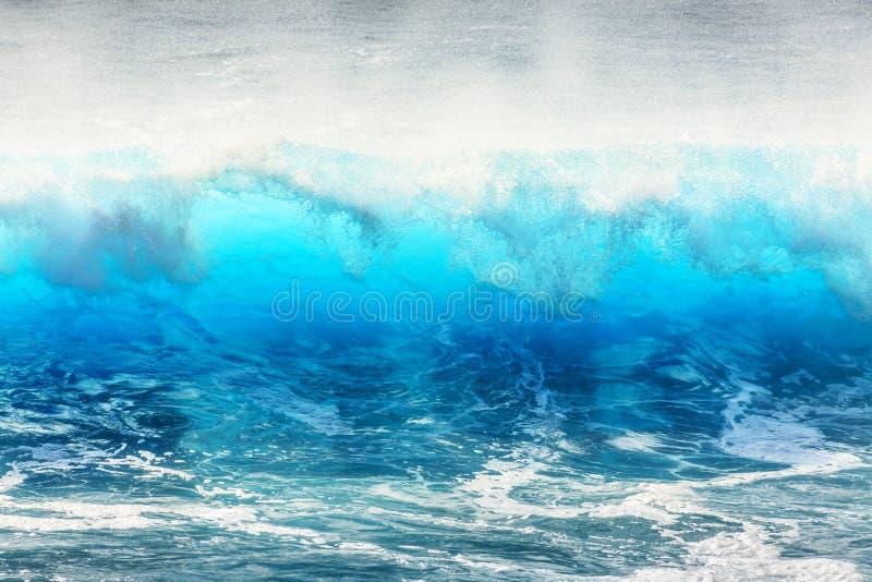 Μπλε κύματα Μαδέρα κυματωγών στοκ εικόνες
