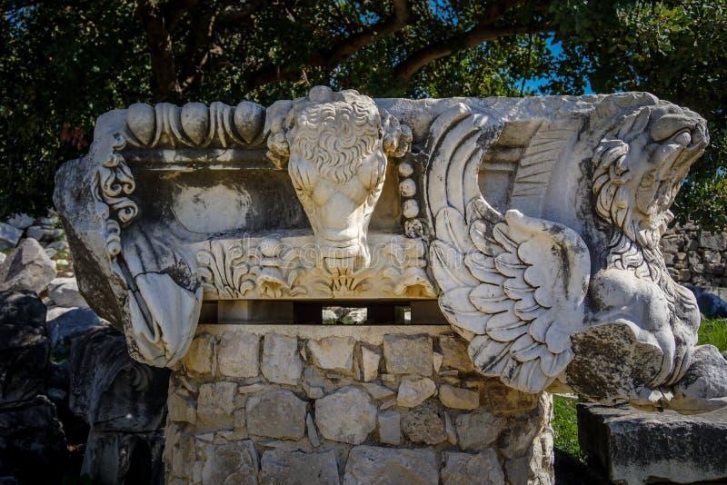 Ναός απόλλωνα στην αρχαία πόλη Didyma Didymaion Λεπτομέρεια της αρχιτεκτονικής διακόσμησης στοκ εικόνες