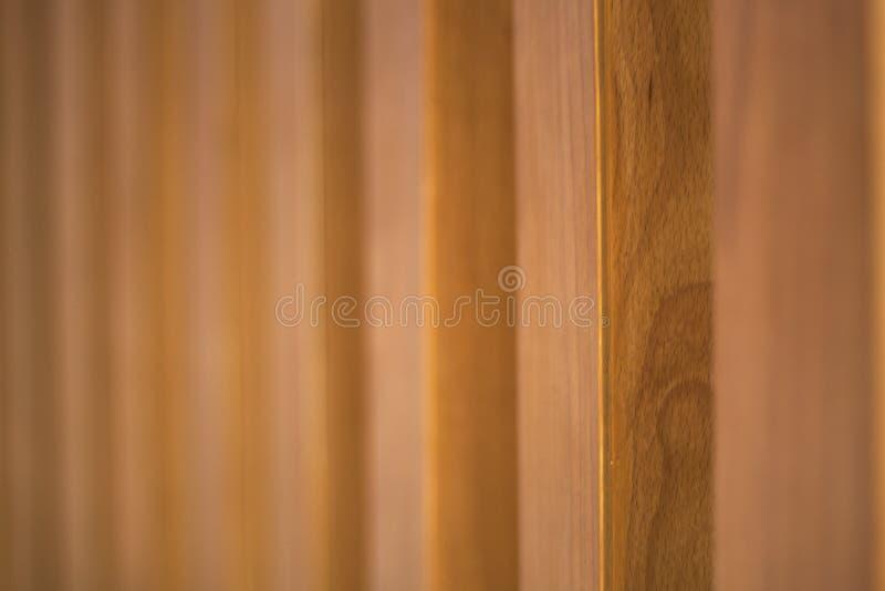 Ξύλινο σιτάρι με το θολωμένο υπόβαθρο στοκ εικόνα με δικαίωμα ελεύθερης χρήσης