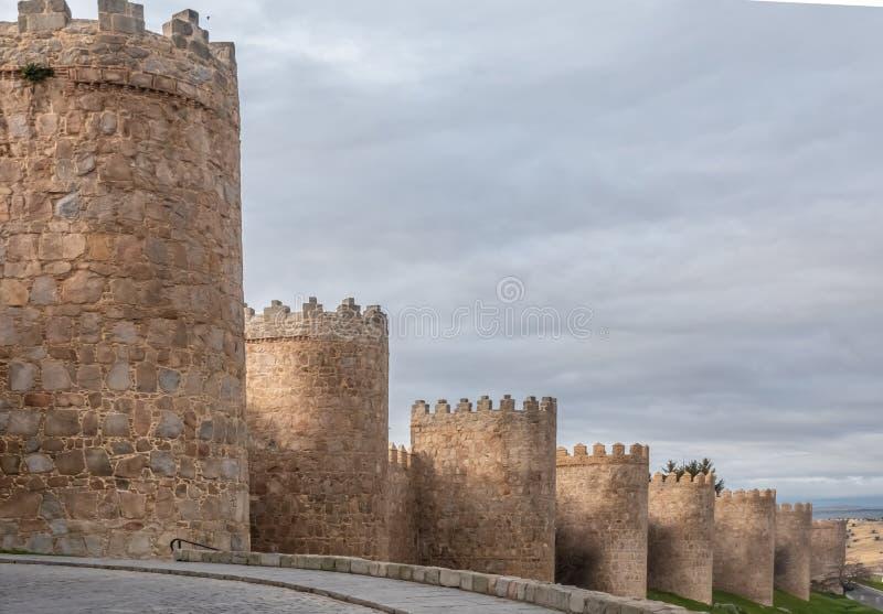 Οι θαυμάσιοι μεσαιωνικοί τοίχοι Avila, Καστίλλη-Leon, Ισπανία Μια περιοχή παγκόσμιων κληρονομιών της ΟΥΝΕΣΚΟ ολοκλήρωσε μεταξύ 11 στοκ φωτογραφίες με δικαίωμα ελεύθερης χρήσης
