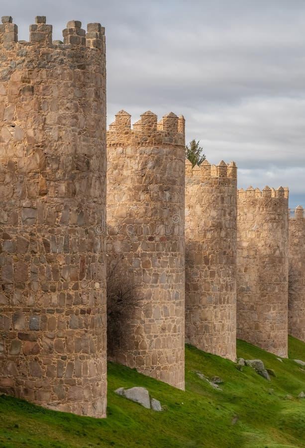 Οι θαυμάσιοι μεσαιωνικοί τοίχοι Avila, Καστίλλη-Leon, Ισπανία Μια περιοχή παγκόσμιων κληρονομιών της ΟΥΝΕΣΚΟ ολοκλήρωσε μεταξύ 11 στοκ φωτογραφίες