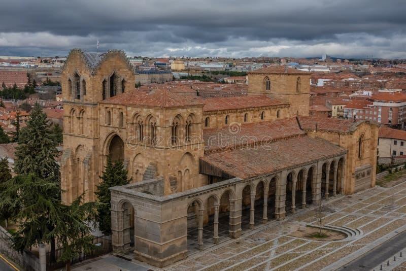 Οι θαυμάσιοι μεσαιωνικοί τοίχοι Avila, Καστίλλη-Leon, Ισπανία Μια περιοχή παγκόσμιων κληρονομιών της ΟΥΝΕΣΚΟ ολοκλήρωσε μεταξύ 11 στοκ εικόνες με δικαίωμα ελεύθερης χρήσης
