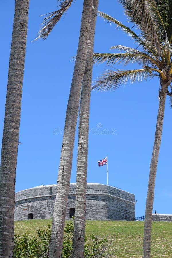 Οχυρό ST Catherine μέσω των δέντρων στο ST Georges, Βερμούδες στοκ φωτογραφίες
