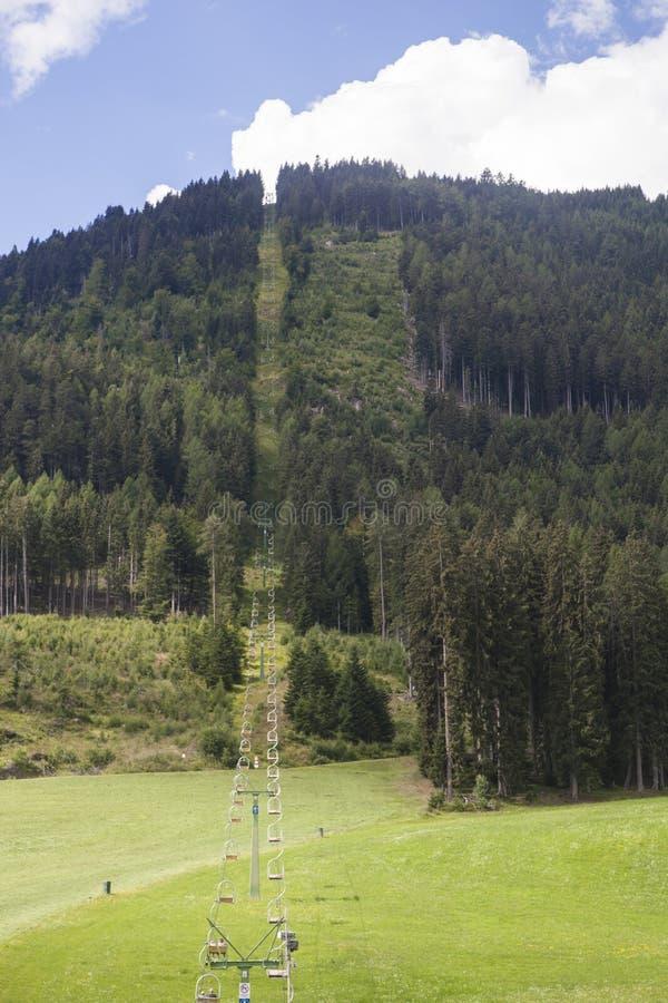Ο ανελκυστήρας το καλοκαίρι στοκ εικόνα