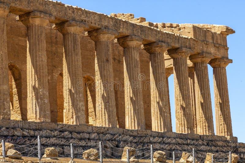 Ο ναός Concordia, αυτό είναι ο μεγαλύτερος και καλύτερος-συντηρημένος δωρικός ναός στη Σικελία, Agrigento, Ιταλία στοκ εικόνα με δικαίωμα ελεύθερης χρήσης