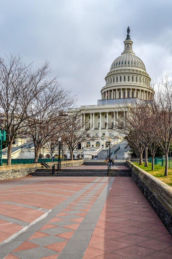 Διάβαση στο Ηνωμένο Capitol κτήριο στοκ εικόνα με δικαίωμα ελεύθερης χρήσης