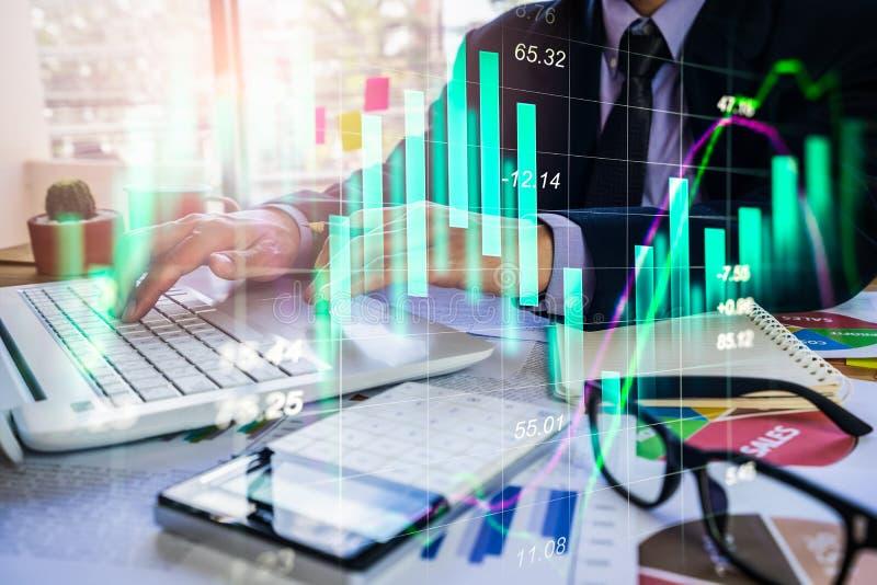 Διπλός επιχειρηματίας έκθεσης και χρηματιστήριο ή γραφική παράσταση Forex κατάλληλη για την οικονομική έννοια επένδυσης Υπόβαθρο  στοκ εικόνες