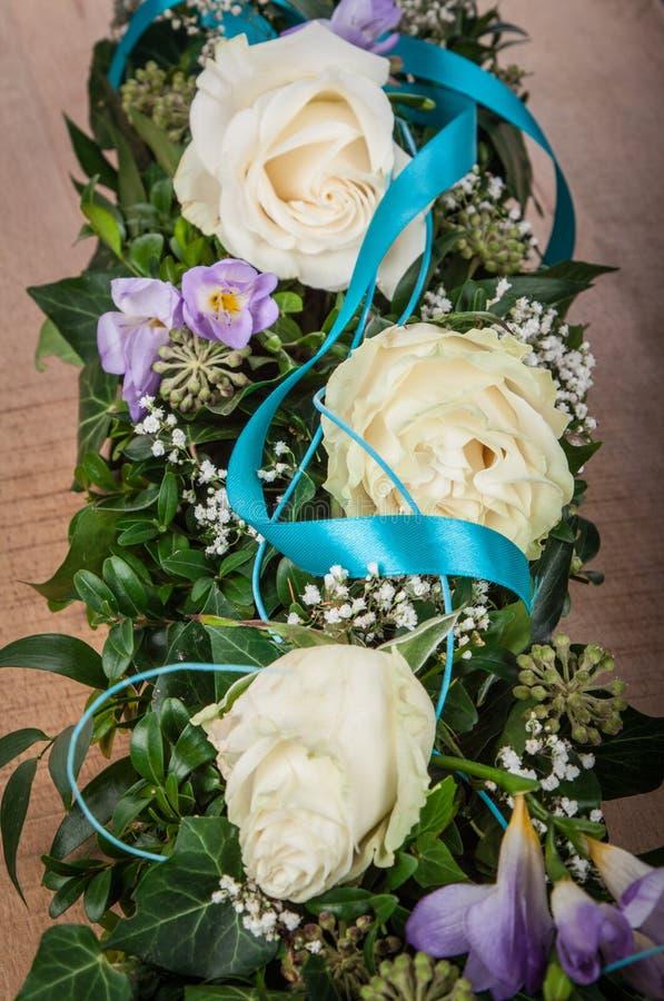 Δροσοσκέπαστο λουλούδι των τριαντάφυλλων στοκ εικόνες με δικαίωμα ελεύθερης χρήσης