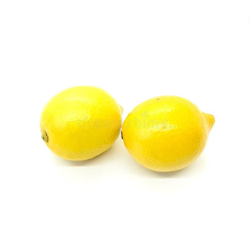 Δύο λεμόνια στη σύνθεση στοκ εικόνα με δικαίωμα ελεύθερης χρήσης
