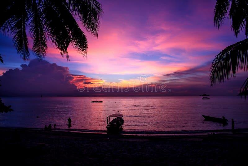 Île colorée magique de coucher du soleil-Perhentian, Malaisie photo libre de droits