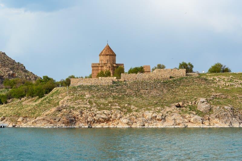 Île d'Akdamar avec l'église arménienne de cathédrale de la croix sainte en Van Lake La Turquie photos stock