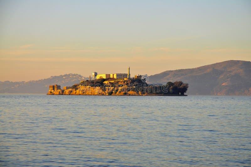 Île d'Alcatraz au coucher du soleil images libres de droits