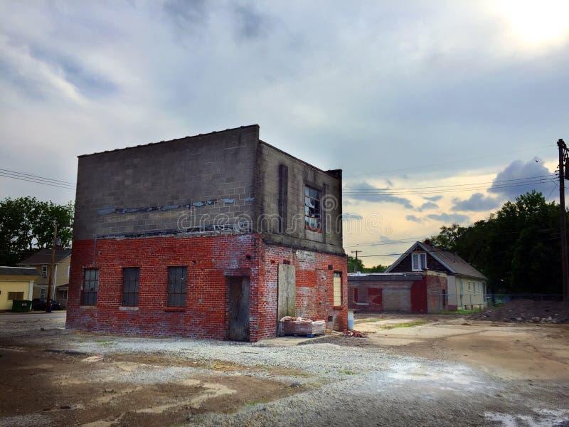 Île d'immeuble de brique au coucher du soleil 01 photos stock