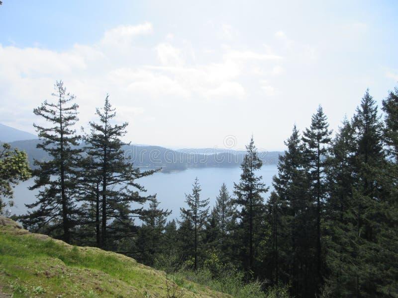 Île dans la distance photos libres de droits