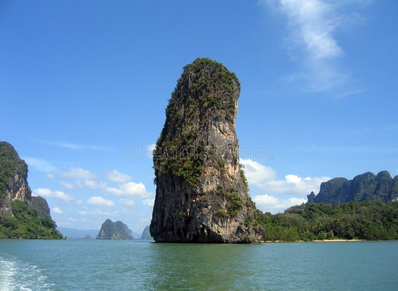 Île dans le compartiment de Phang Nga, Thaïlande image libre de droits