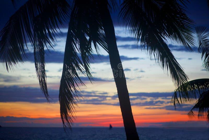 Île de Boracay au coucher du soleil aux Philippines photographie stock