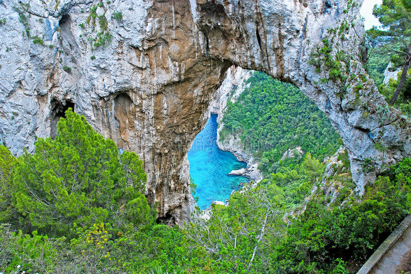 Île de Capri, voûte naturelle photo stock