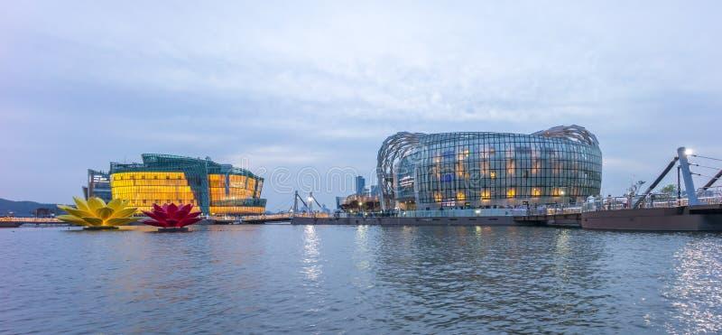Île de flottement colorée et belle de Séoul au crépuscule image libre de droits