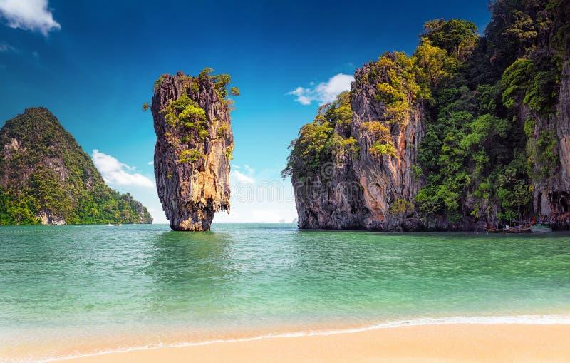 Île de James Bond près de Phuket en Thaïlande Borne limite célèbre photos libres de droits