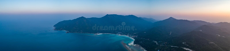 Île de Ko Pha-ngan, océan au coucher du soleil thailand image stock