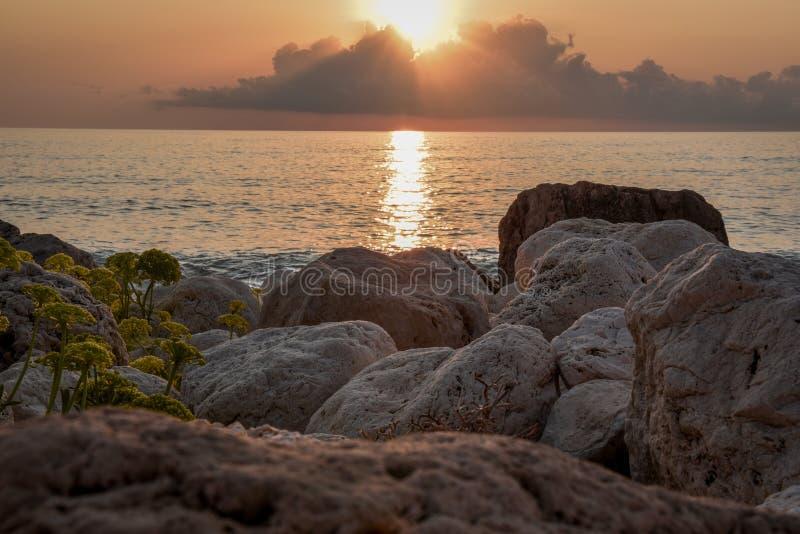 Île de la Grèce de coucher du soleil de Leucade image libre de droits