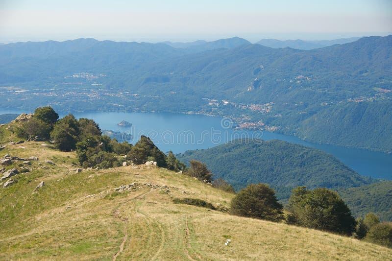 Île de lac Orta - de San Giulio - Piémont - l'Italie images libres de droits