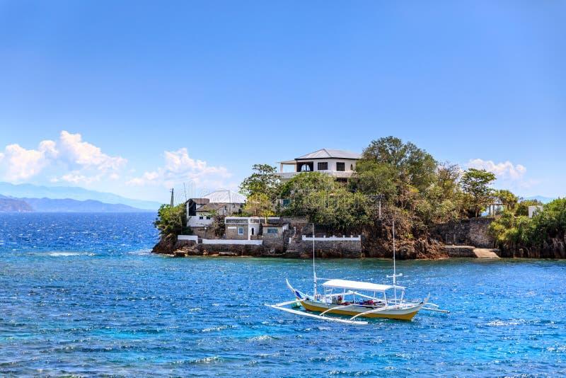 Île de Lipo - plongée, point naviguant au schnorchel dans Anilao photos stock