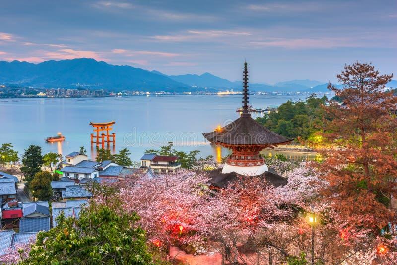 Île de Miyajima, Hiroshima, Japon au printemps image stock