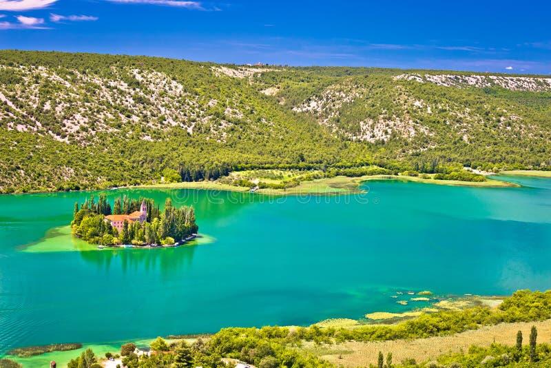 Île de monastère de Visovac en parc national de Krka image libre de droits