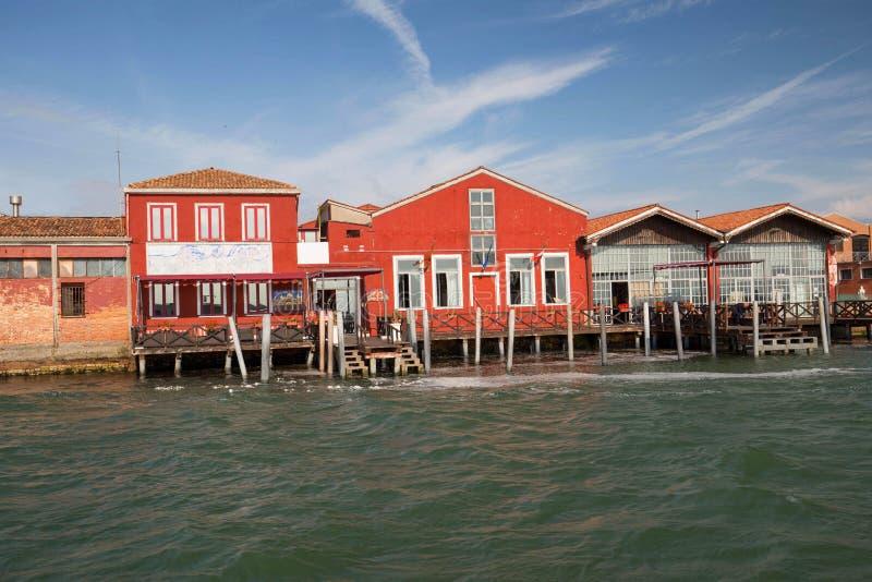 Île de Murano, petit village près de Venise/de panorama du canal de rivière image libre de droits