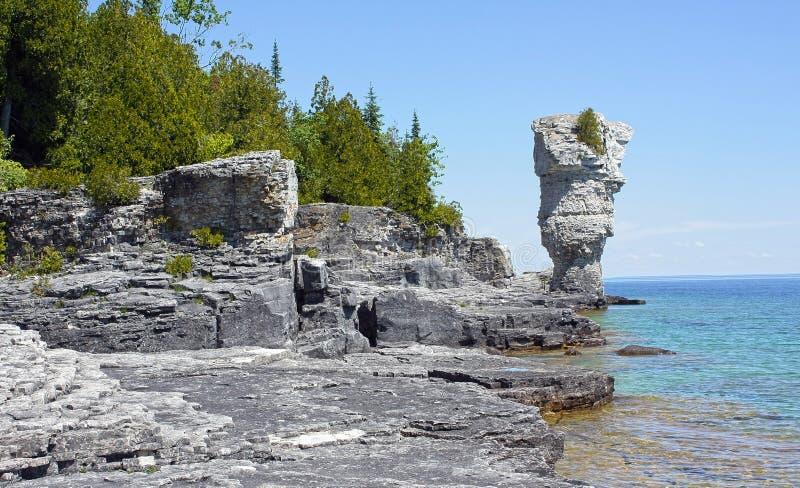 Île de pot de fleurs photo libre de droits