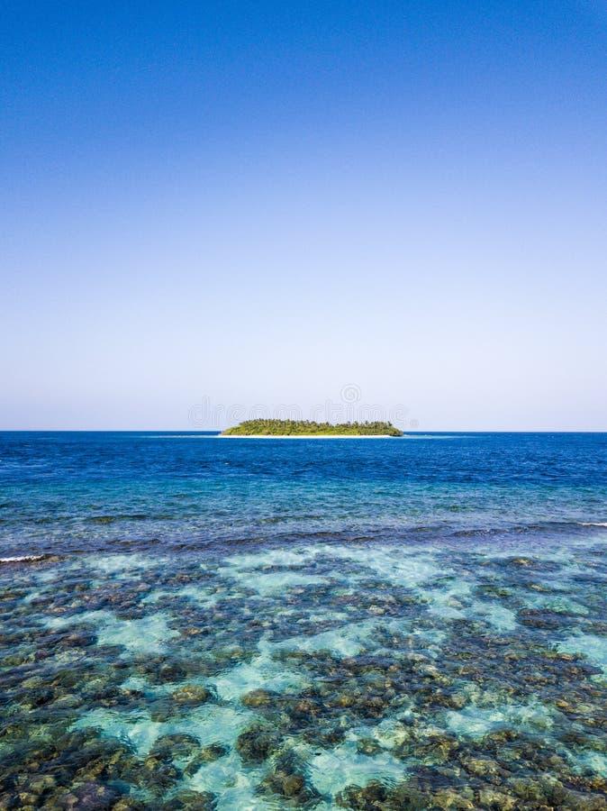 Île de vaadhoo de Madhiri en Maldives photo stock