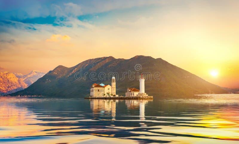 Île et phare photo stock