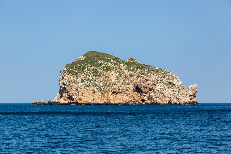 Île Foradada près d'Alghero, Sardaigne photos libres de droits