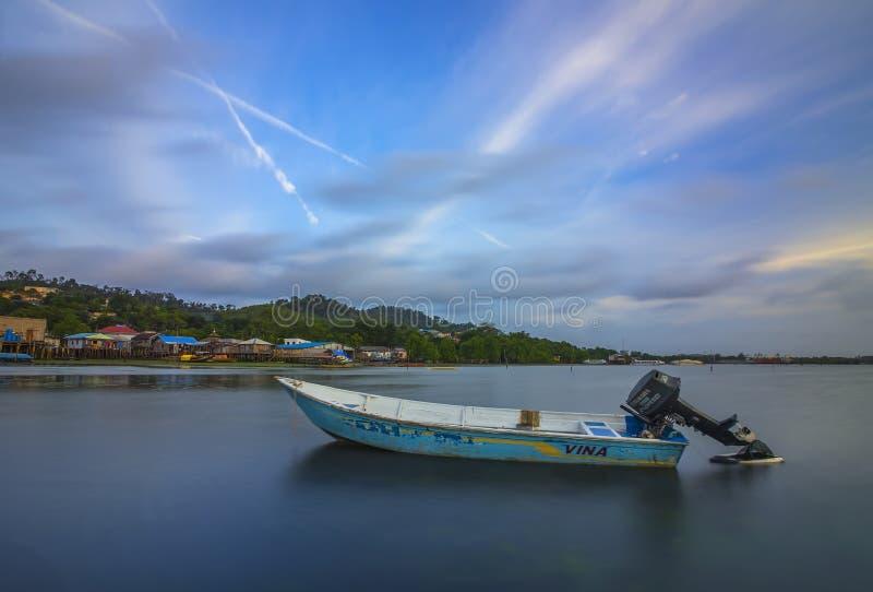 Île Indonésie de Batam de bateau de pêche images stock