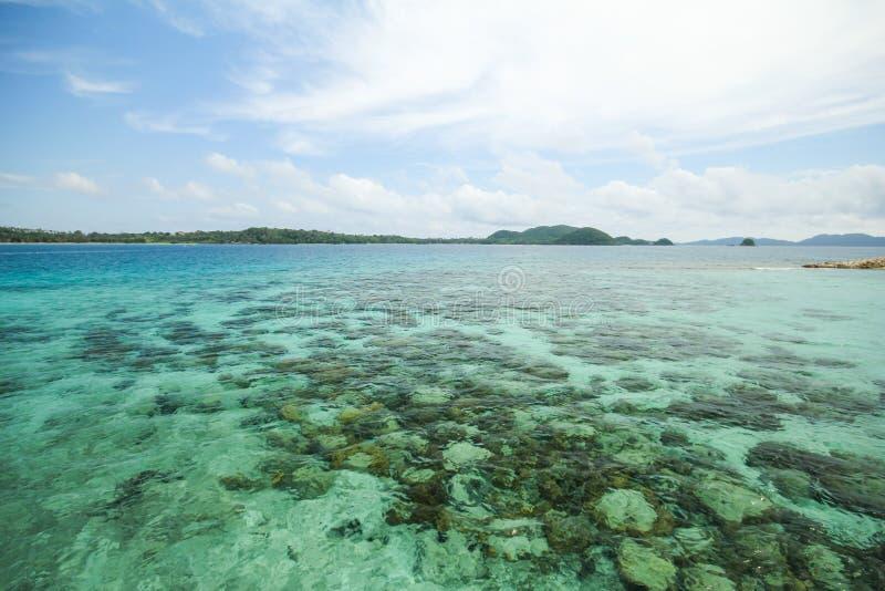 Île Koh Kham, Trat, Thaïlande de Kham photographie stock libre de droits