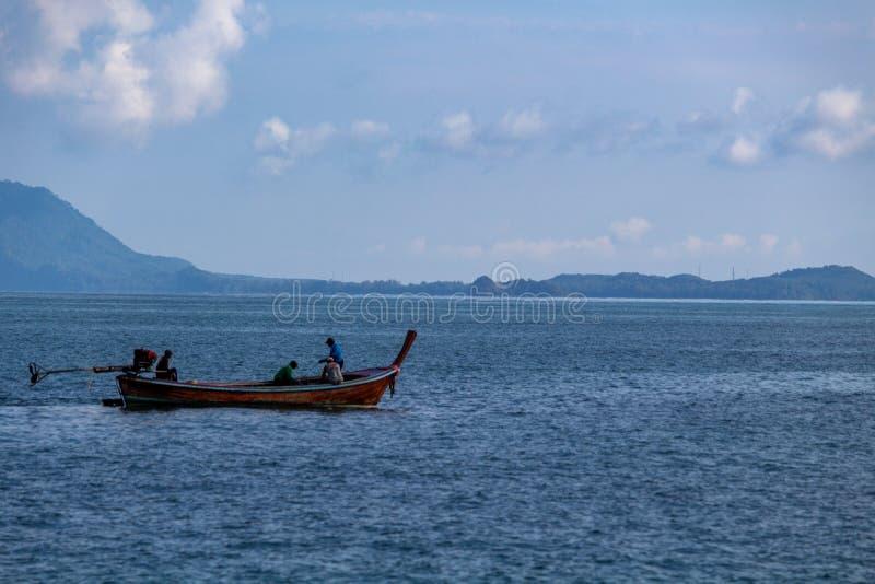 Île Thaïlande de Koh Lanta de pêcheurs image stock