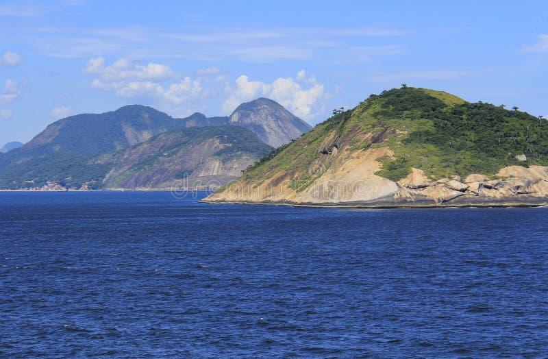 Îles autour du monde, île de Redonda en Rio de Janeiro, Brésil image libre de droits