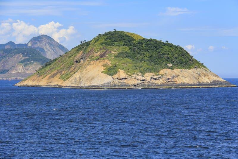 Îles autour du monde, île de Redonda en Rio de Janeiro, Brésil photos libres de droits
