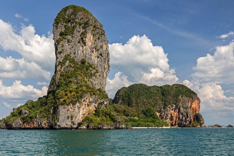 Îles bizarres dans la province de Krabi de la Thaïlande photo libre de droits