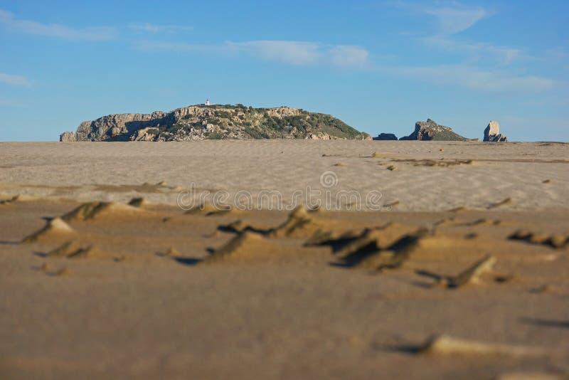 Îles de Medes vues de la plage sablonneuse Estartit Espagne images stock